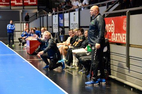 MØTER BODØ: Runar-trener Leif Gautestad (t.h.) mener små marginer ble avgjørende for utfallet av kampen mot Bækkelaget. Søndag venter et viktig bunnoppgjør i Bodø.
