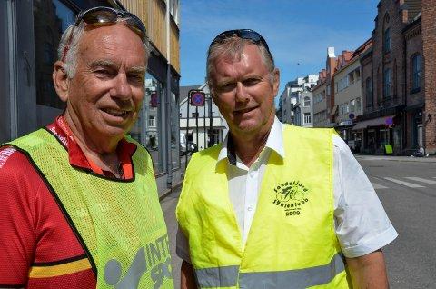 TRÅR TIL: Tom Larsen (74, t.v.) og Thor-Erling Jensen (61) ser fram til å bidra som frivillige under NM.