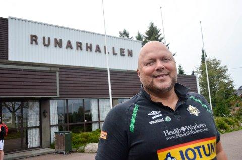 SERIEÅPNING: Kommende onsdag gjester Kolstad Runarhallen for å møte Runar, laget til Leif Gautestad (55), i serieåpningen i eliteserien.