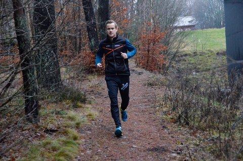 NY OPERASJON: Sandefjords båtsportess, Pål Virik Nilsen, må gjennom en ny operasjon for å bli kvitt kreften i halsen. Før operasjonen skal han trene så mye som mulig. Her er han under en løpetur i Bugårdsparken i desember.