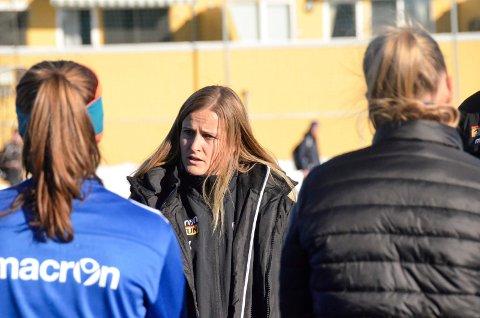SF-trener Melissa Wiik er fornøyd med damenes seier mot Urædd onsdag kveld