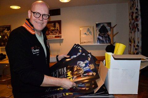 SETTER STOR PRIS PÅ FEILEN: Leder i Sandefjord Teaterforening, Tom Gunnar Børresen synes det er ekstra hyggelig å få prosjektstøtte fra Sandefjord kommune i denne runden. – Jeg tror aldri jeg har vært så fornøyd med en tastefeil tidligere, sier han.