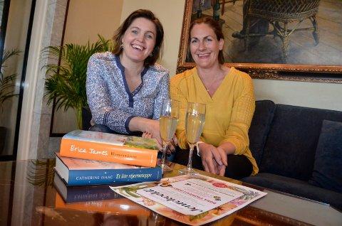 GLEDER SEG: Komikeren Dora Thorhallsdottir (t.v.) og Cathrine Gram fra Bastion Forlag håper mange jenter og damer tar turen til «Bøker og bobler» på Park 23. mai.