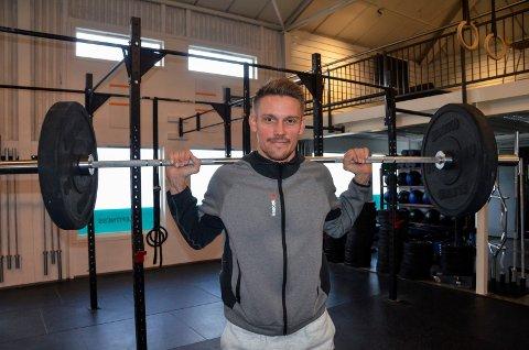 EGET TRENINGSSENTER: Tony René Asmyhr (37) er mannen som har åpnet Moooves - det nye treningssenteret i Stokke.