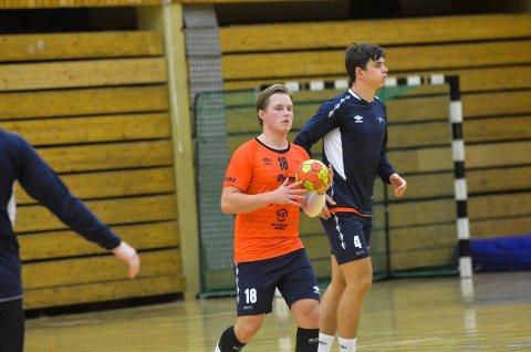 NY KLUBB: Hermann Gjekstad spilte i fjor for Viking mot Sandefjord Håndball i Jotunhallen. Nå er det klart at han fortsetter karrièren i Arendal.
