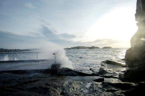 VIND: Til onsdag vil det blåse stiv kuling langs kysten.