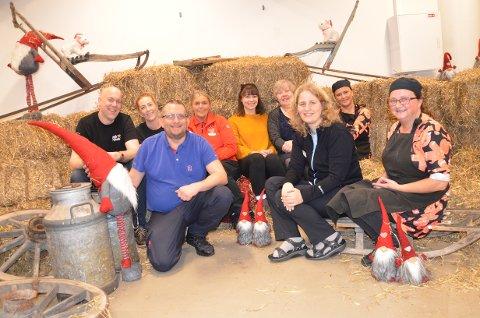GIVERNE: Bak fra venstre: Torgeir Rovik Larsen (Hjerte for Sandnes), Camilla Anita Vestly (Flying Tiger), Gunn Anita Tjessem Brakstad (Coop Extra), Benedikte Røymo Arnesen (Hair & There), Hilde K. Steinsøy (Princess) og Venke Løland (Selma). Foran fra venstre: Kjetil Klungtveit (Rema 1000), Anette Theis Haugland (Apotek 1) og Jane Soma (Selma).  Følgende mangler på bilde: Frode Sele (Sportshuset Outlet, Susanne Aareskjold (Kitch`n) og Emilie Grødem (Life).
