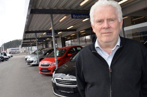 GODT SALG: På tross av stupende bilsalg i Sandnes opplever daglig leder Aslak Østråt hos Gabriel Østråt på Lura at salget har doblet seg så langt i år.