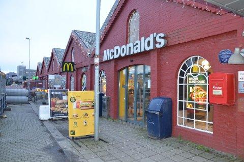 UTVIDER: McDonald`s restauranten på Amfi Vågen har en sterke utvikling enn mange andre McDonald`s restauranter. Nå blir restauranten utvidet.