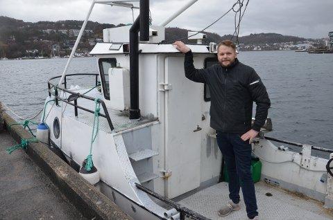 SKIFTER BEITE: Rune Petersen ble lei av å være rørlegger. Nå satser han friskt som fisker med egen sjark og rullende salgsvogn.