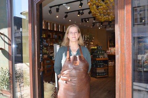 OPPGANG: Daglig leder Ingun Sandanger Kvitvær hos Oliviers i Langgata har opplevd gode tider etter at hun i fjor overtok butikken.  Butikken hadde da gått konkurs, men huseier hadde troen og kjøpte opp konkursboet.