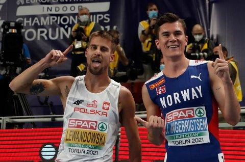 Marcel Lewandowski etter løpet sammen med Jakob Ingebrigtsen. Bildet er tatt like før diskvalifikasjonen ble kjent.