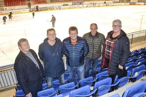 PREGET AV SPARTA: Søsknene Leif Hansen, Ulf Hansen, Tommy Hansen, Tor Hansen og Else Berit Svendsen er preget av oppveksten i Sparta-miljøet.