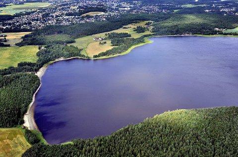 Kommunen fraråder bading i Isesjø