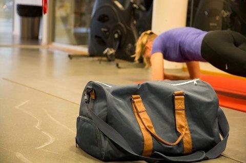 *** Local Caption *** Mer enn halvparten av gymbagene på treningssentrene landet rundt inneholder høye nivåer av bakterier.
