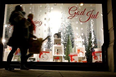 *** Local Caption *** Vi handler for tre milliarder kroner per dag de siste dagene før jul.