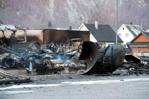 Marit Arnstad mener brannen i Lærdal kunne fått langt større konsekvenser hvis ikke lokal ledelse hadde handlet resolutt.