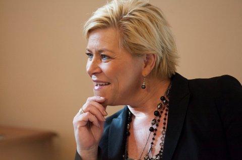 Finansminister Siv Jensen (Frp) legger i disse dager siste hånd på en boligpakke som regjeringen håper kan dempe den voldsomme prisveksten på det norske boligmarkedet.