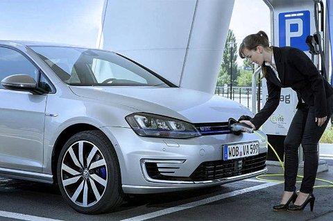 Ladbar hybrid er på mange måter den nye biltrenden. VW Golf GTE er allerede sluttsolgt for i år.