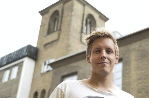 Øverst i tårnet bak bor Anders.