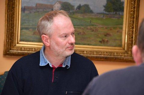 KRITISK: Georg Ståle Brødholt (Sp) liker dårlig at Hobøl-ansatte flytter over til Askim.