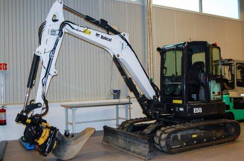 Denne gravemaskinen en Bobcat E55 ble ble beslaglagt på grensa av tollerne.