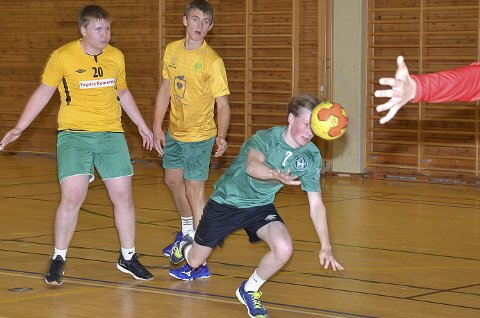 POSITIV: Ola Aleksander Nordlien var en av flere unggutter som gjorde mye bra i kampen. Ola scoret to fine mål.