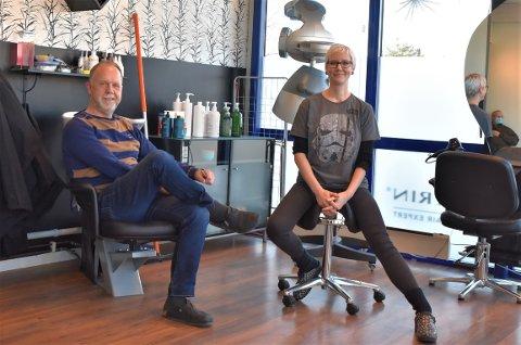 ROLLEBYTTE: Carina Høgberg Agnalt har leid stol hos Svein Hågensen i tre år. Nå skal han leie stol hos henne.