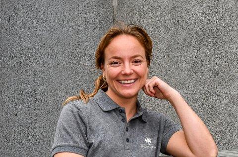 TILBAKE I NORGE: Emma Borgås har valgt å flytte hjem til Norge etter flere år i Australia. Nå har hun startet opp i ny jobb på Helhetsgården på Elvestad.