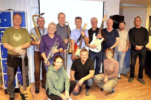Stilige Dann: Lokale rockarar med tributeband, til ære for den amerikanske gruppa Steely Dan. (Foto: Privat)