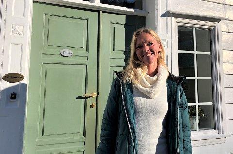 NY JOBB: Christine Wilms (43) er tilsett som ny dagleg leiar på Nes Gard i Luster.