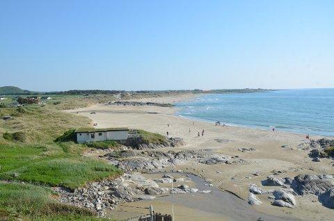 Hellestøstranden er en vakker og godt besøkt strand, men den kan ha farlige understrømmer.