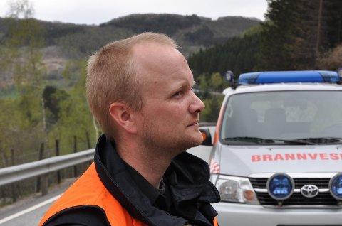 To gonger den siste månaden har brannsjef Johan Mjølhus rykka ut til brannar i private søppelfyllingar. Nå blir det reagert hardare mot dei som tømmer avfallet sitt «på røysa».