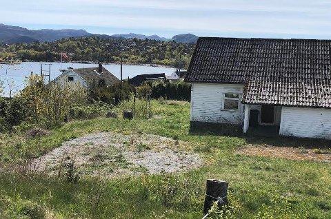 IDSE: Det er aktuelt å omregulere nedlagte Idse skole til boligtomt med naust, og selge den. Foto: Roar Larsen