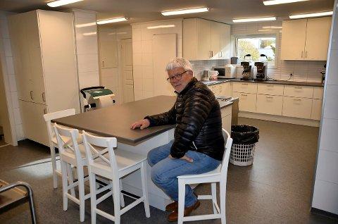 Nytt kjøkken: Olav Barkhald får gode tilbakemeldinger fra leierne av Åsheim.  Dette er som å komme inn på kjøkkenet på Britannia, sa en som leide Åsheim til en privat fest, forteller Olav Barkhald.