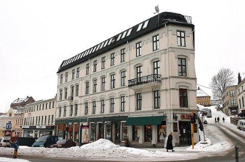 ØNSKER SEG HOTELL: Det jobbes med planer om et leilighetshotell i Grand-gården.