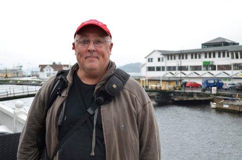 Gary Arndt har besøkt 120 forskjellige land. Denne uka startet han sitt første Norgesbesøk i Kragerø.
