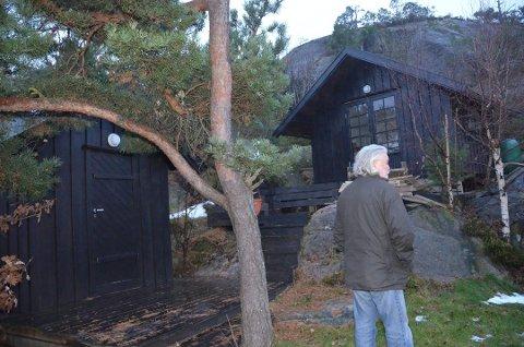 De to ulovlig oppsatte bodene på Reidun Gjersøs hytteeiendom på Kjerringholmen må rives. Foto: Jon Fivelstad