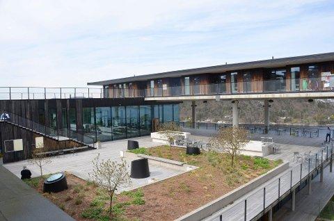 UTVIDELSE: Kragerø Resort søker å bygge ny konferansesal på 200 kvadratmeter i dette området. Foto: Jon Fivelstad
