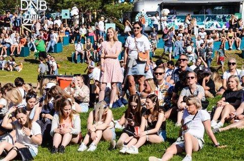 FESTIVALSOMMER: Stavernfestivalen trekker tusener av mennesker til Larvik hvert år, også fra Telemark. Bildet er fra fjorårets festival. Foto: Bjørn-Tore Sandbrekkene, arkiv
