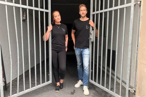 SISTE ÅPNINGSDAG: Malene Ødegaarden Laursen og Espen Wenås har siste åpningsdag på utestedet lørdag.