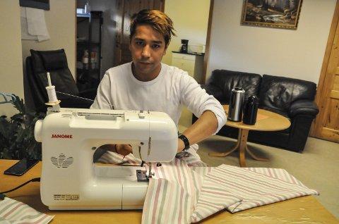 ER SENDT BORT: 5. november skrev Telen om 17 år gamle Najibulla Sarwari, som mer enn noe annet ønsket å bli på Notodden og få utvikle seg som skredder. På mottakets systue fikk han etter hvert en lang kundeliste. Nå sitter han på Trandum frem til han sendes ut av landet.