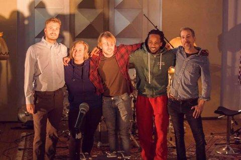 OVER 20: Foreløpig er det over 20 personer som bruker studioet fast, blant annet Robin Andre Kolbjørnsrud (f.v.), Emilie Finnekåsa, Kjell Albertsen, Kimani Mwangi og Gøran Flåtin.