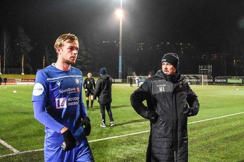 VENTER: Magnus Erga (t.h) venter fortsatt på svar fra midtstopper Nicholas Marthinussen om han vil bli med videre. Klubben jobber parallelt med andre alternativer på stopperplass.