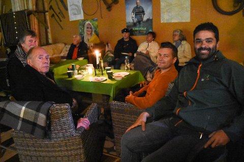 VALGVAKE: Senterpartiet i Hjartdal og Notodden valgte å tilbringe valgkvelden sammen på låvefest i Sauland, hvor også tinndølene var invitert.