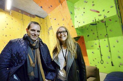 Stig Kanestrøm og Anna Ervik Johnsen er på utkikk etter nye lokaler til å klatre innendørs.