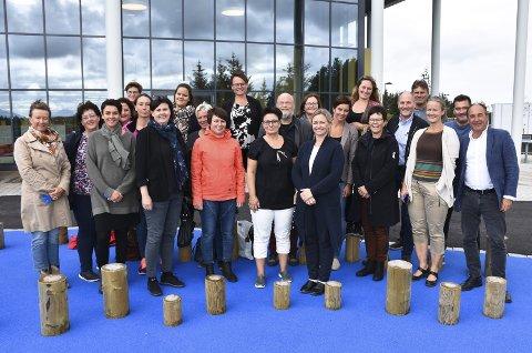 NETTVERK NORDMØRE: Ansatte som jobber i forskjellige arenaer innen oppvekst på Nordmøre var samlet på Smøla for å diskutere framtiden.