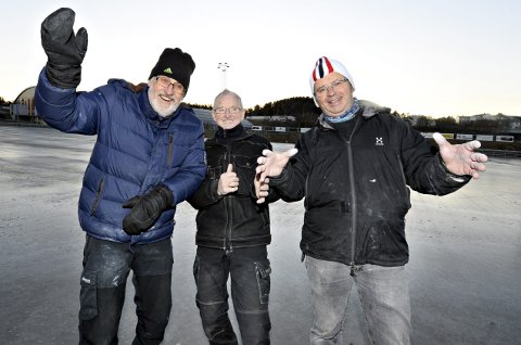 Ildsjeler: Tor Olsen (fra venstre), Gunnar Rødsand og Jan Ole Eilertsen har et sterkt engasjement for skøytesporten. Det har trioen hatt lenge før det ble tak over banen i Folkeparken.