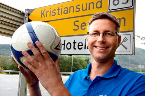 Erling Fiske er ny fotballtrener for kvinnelaget på indre.