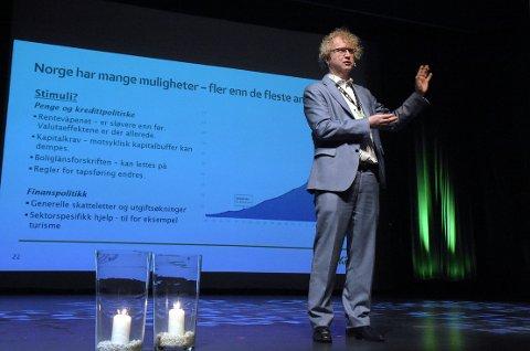 AVLYST!: Sjeføkonom Jan L. Andreassen tror både Holmenkollen til helga og 17. mai blir avlyst ved at det ikke blir anledning til å samle store mengder mennesker på samme sted.
